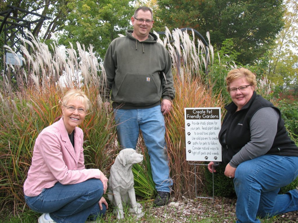 Winnebago County Master Gardener Volunteers teams up with the Oshkosh Humane Society in order to create a program on pet friendly gardens.